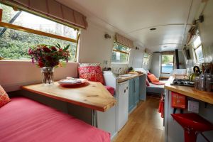 Boutique boat in central London with bedsonboard.com
