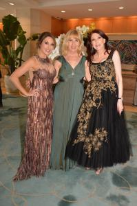 Laguna Playhouse Executive Director Ellen Richard (center) with gala co-chairs Annee Della Donna and Lisa Hale.