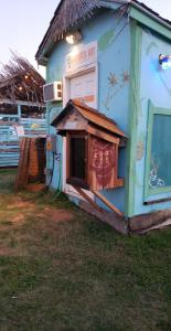 Free Little Library on back side of Harpe's Hut